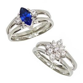 R1910672 anel de formatura 2 faces pedra cristal navete azul safira com outra parte sendo com flor em zirconias brancas joia folheada ouro branco rodio prateado