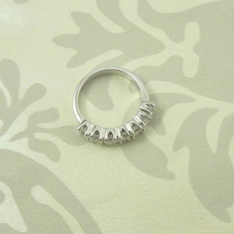 anel meia fileira zirconias banhado rodio brilho folheados bruna semijoias AB1378