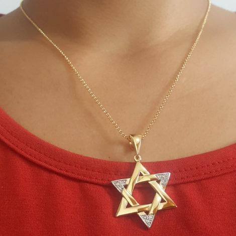 1805200 220e45 colar elos portugueses com pingente estrela de davi folheado a ouro dourado 18k sabrina joias brilho folheados foto pescoço modelo