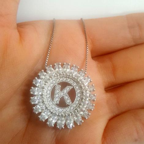 colar letra k cristais brancos joia folheada rodio brilho folheados