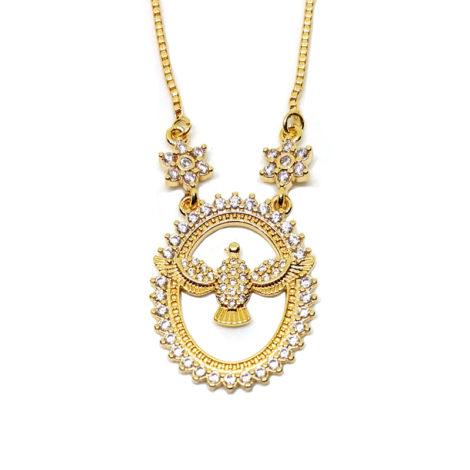 colar medalha vazada cravejada espirito santo de deues com 2 lindas flores em cada lado do fio da corrente joia folheada ouro amarelo 18k brilho folheados
