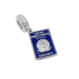 R1800339 berloque passaporte brasileiro capa azul com zirconia branco folheado a rodio ouro branco sabrina joias brilho folheados