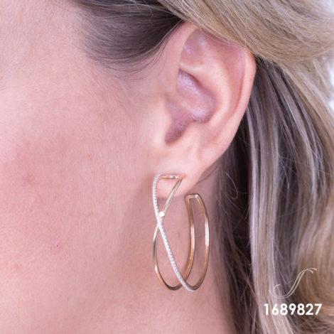 1689702 brinco argola grande dupla foto real na orelha joia folheada ouro dourado 18k sabrina joias brilho folheados