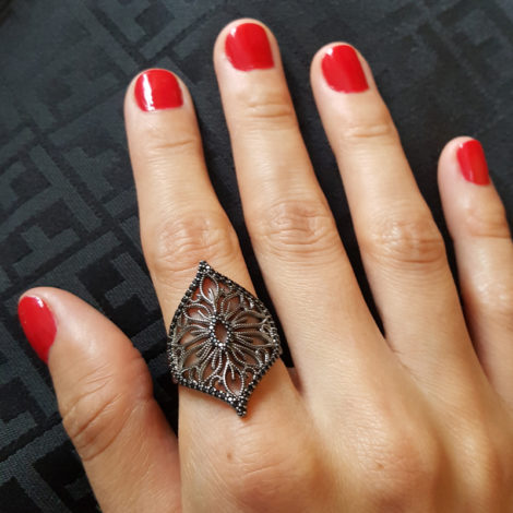 1910519 anel arabesco rodio begro losango brilho folheados sabrina joias