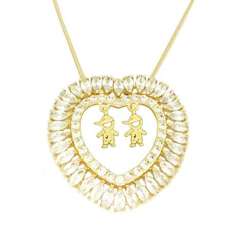 colar feminino com pingente de coracao cravejado com zirconia vazado contendo 2 filhos meninos dentro joia folheada ouro 18k