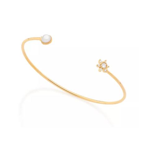 551526 bracelete entreaberto com meia perola em uma das pintas e flor de zirconia em outra joia folheada a ouro 18k rommanel brilho folheados