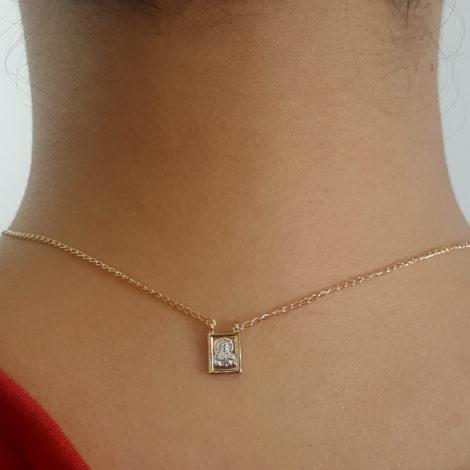 1901200 escapulario feminino de nossa senhora do carmo e do sagrado coracao de jesus joia folheada a ouro dourado 18k brilho folheados sabrina joias foto modelo 5