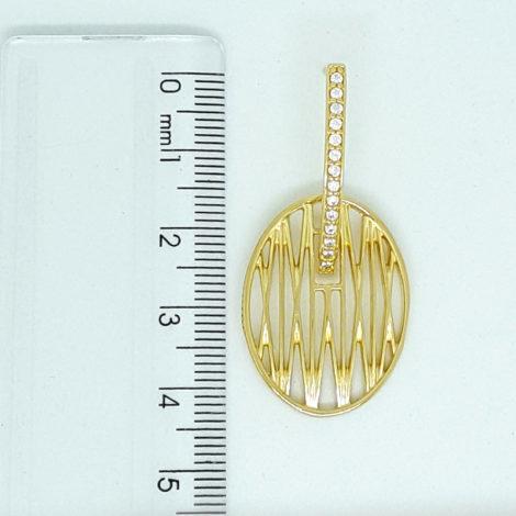 1690186 brinco palito de zirconias com peca oval solar vazado folheado a ouro dourado 18k brilho folheados sabrina joias colecao 2018 foto do brinco na modelo regua loja