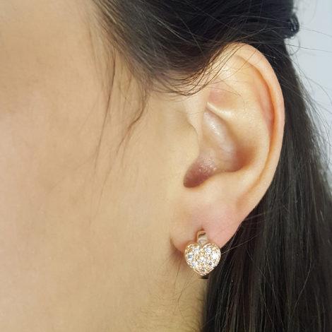 1676500 rose brinco argola pequena com coracao cravejado com zirconias brilhantes folheado a ouro rose brilho folheados sabrina joias foto modelo 2