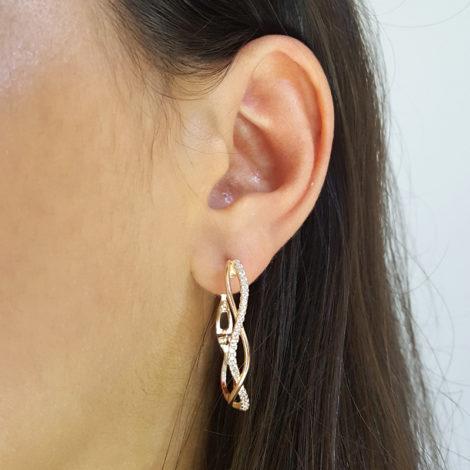 1689840 rose brinco argola oval trancada zirconia branca brilhante folheado ouro rose brilho folheados sabrina joias foto modelo