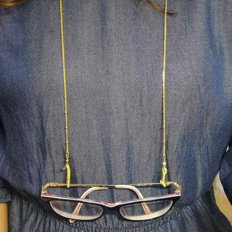 corrente cordao cordinha para oculos corrente mini elos com mini bolinhas macicas folheado ouro dourado 18k em cada ponta da corrente ha um ponto de luz de strass cordao folheado a ouro modelo