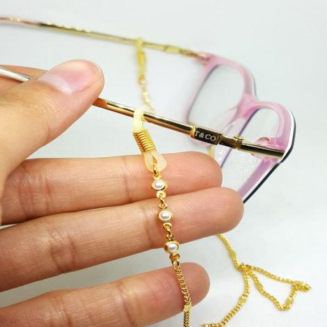 oculos no chao nunca mais corrente para oculos cordao para oculos cordinha oculos corrente grumet detalhe de 3 perola folheado ouro dourado 18k brilho folheados