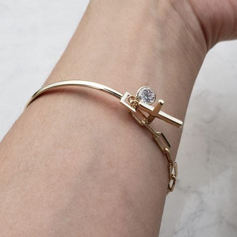 pulseira bracelete mista com cruz e strass joia folheada ouro 18k brilho folheados foto modelo 2