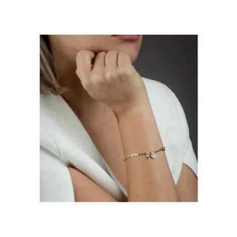 1719800 pulseira elos cartier com pingente de chave e coracao cravejado de zirconia joia antialergica sabrina vendido por brilho folheados foto na modelo