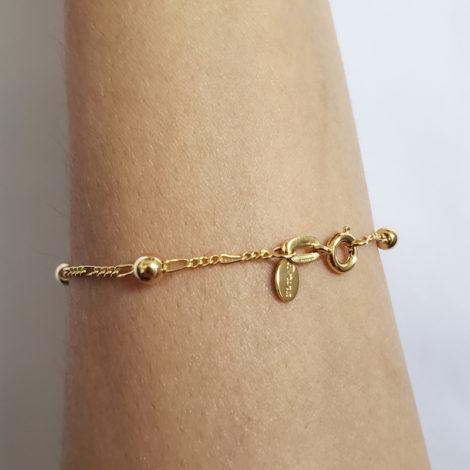 BP0174 pulseira infantil bolinhas com corrente de elos joia folheada a ouro brilho folheados bruna semijoias foto modelo