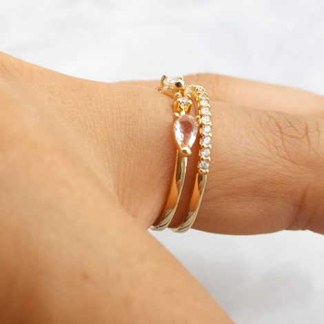 1910949 anel aro duplo com fileira em zirconias e 3 cristais rosa morganita joia folheada ouro dourado 18k brilho folheados revendedora oficial da marca sabrina joias foto modelo 2