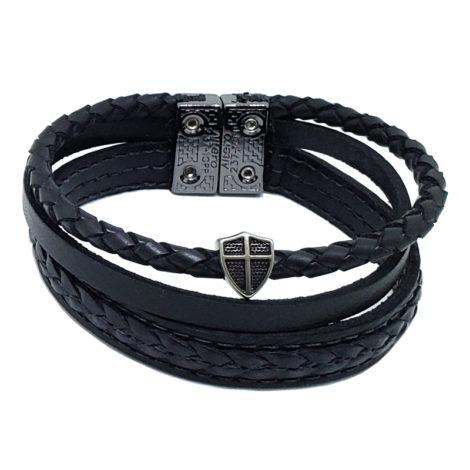 pulseira masculina de couro tripla com pingente cruz portuguesa fecho ima marca izolo loja brilho folheados
