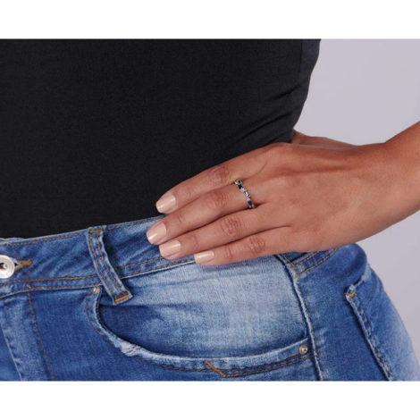 110811 anel prateado com zircônias retangulares azuis joia rommanel colecao gratidao loja brilho folheados foto modelo