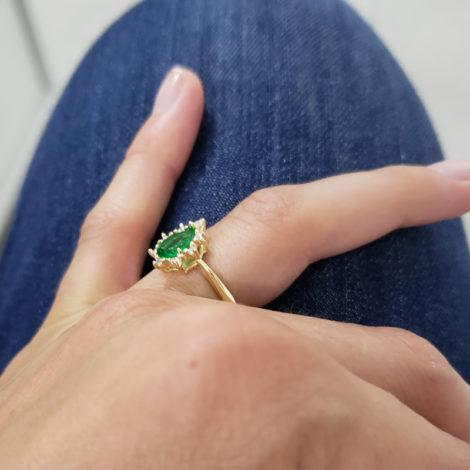 1910414 anel de formatura verde com zirconias brancas joia folheada ouro antialergica com caixa capelo loja brilho folheados 9