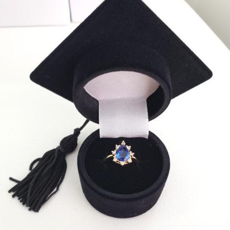 1910414 anel de formatura zirconia azul com zirconais brancas marca sabrina joias loja revendedora brilho folheados 6