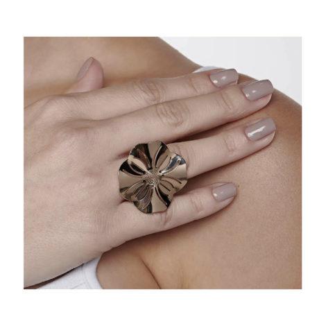 512785 anel aro liso parte superior flor estilizada detalhes vazadsos curacao blue marca rommanel loja revendedora brilho folheados foto modelo 1