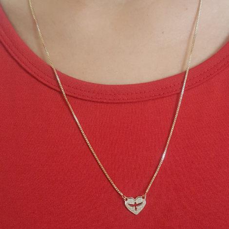 escapulario corrente veneziana diamantada espirito santo com coracao joia folheada a ouro 18k dourado brilho folheados foto pescoco modelo 2