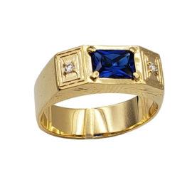 AB1338 anel formatura masculino com cristal retangular azul escuro e 2 pedras de zirconia branca brilhante em cada lado marca bruna semijoias loja brilho folheados 1