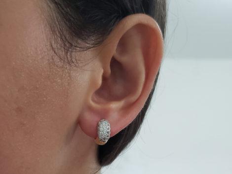 1680000 brinco argola larga pequena cravejada na parte frontal marca sabrina joias loja revendedora brilho folheados 2