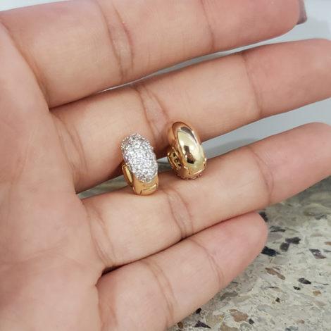 1680000 brinco argola larga pequena cravejada na parte frontal marca sabrina joias loja revendedora brilho folheados 5