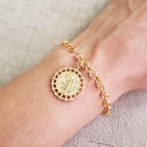 1700550 pulseira elo portugues medalha sao bento com zirconia detalhe vazado marca sabrina joias loja revendedora brilho folheados 6