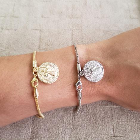 pulseira medalha simples sao bento prateada dourada marca sabrina joias loja brilho folheados