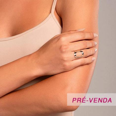 512918 anel aro largo e liso letra O dourado marca rommanel loja revendedora brilho folheados foto modelo