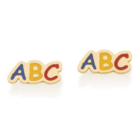 Imagem de fundo branco com par de brincos formado por letras ABC com resina colorida, sendo letra A azul, letra B amarela e letra C vermelha. Brinco banhado a ouro. Joia Rommanel, SKU 526417.